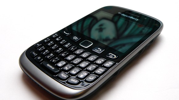 blackberry-curve-9320-03